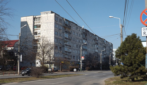 A 1970s-era apartment complex on the suburban fringe of Timişoara.