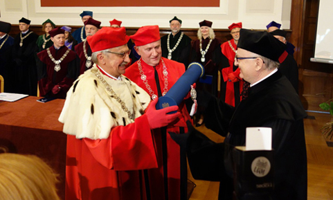 Dr. Tadeusz Malinski receives a fourth Doctor Honoris Causa award in Poland.