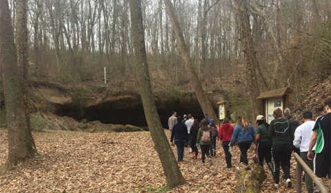Students walking to Robinson's Cave. Photo taken by Anthony Cordetti in CAS 2300x