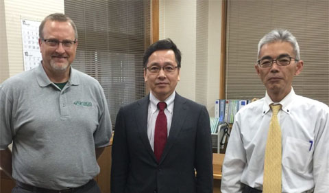 Dr. Chris Thompson meets with Iwate Prefectural University (IPU) President Ishido and IPU Special Projects Chief Sekiya to discuss the Tsunami Volunteer Project.