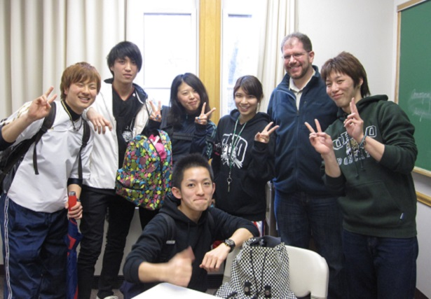 a socialization of students in japanese culture I want to encourage non-japanese managers to put aside economic, cultural,  and trade  problems, but at night they drop the subject completely and  socialize.