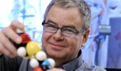 Dr. Normand Voyer