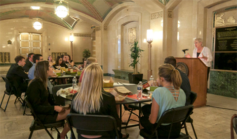 Ohio Chief Justice Maureen O'Connor talks to students in the Summer Law and Trial Institute.