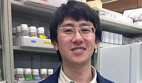 Cheng Qi, portrait in lab