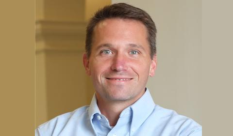 portrait photo of Dr. Derek Sawyer