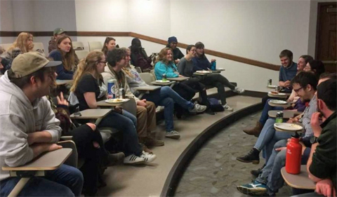 Undergraduate members of the Plant Club ask a PBIO graduate student panel for their stories and advice.