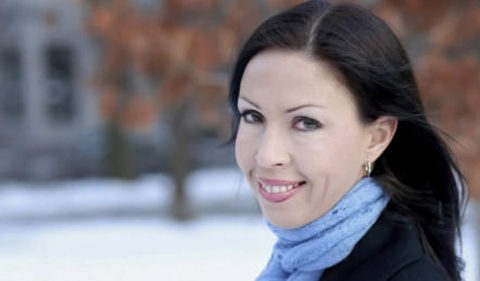 Michelle Pretorius, outdoor portrait