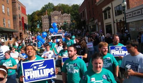 Rob Dorans with College Democrats at OHIO Homecoming parade
