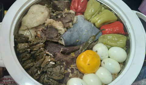 Palov is the Uzbek national dish.
