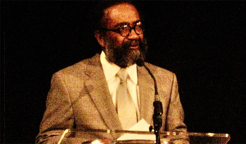 Edwin Curmie Price speaking at the Black Alumni Reunion dinner at 2010.