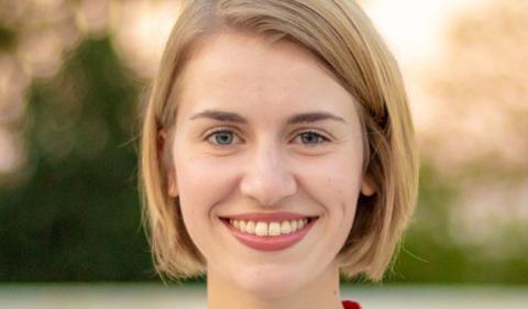 Sarah Welch, portrait
