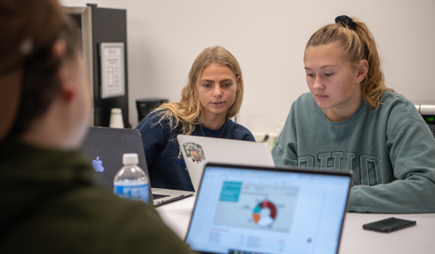 Ohio University students use the CoLab space in Alden Library.